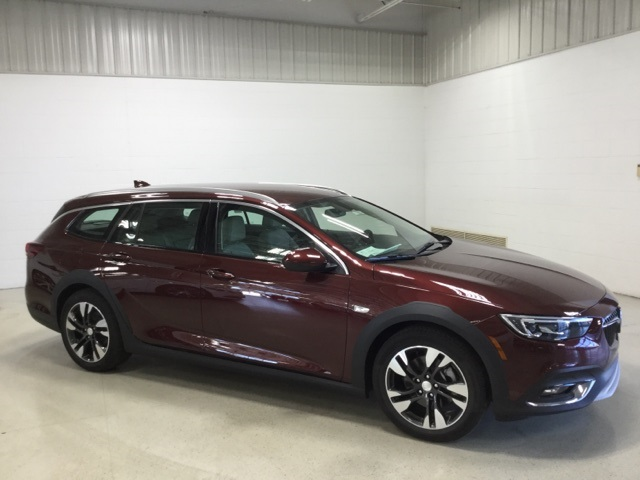 New 2019 Buick Regal Tourx Essence 5d Wagon In Chilton 11559